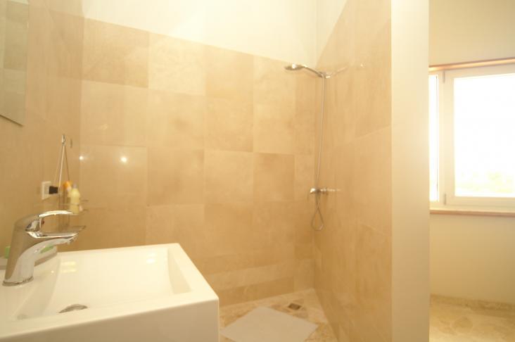 Sabadeco crown shores 69 kralendijk bonaire aanbod buitenland nvm makelaar leidschendam - Deco master suite met badkamer ...